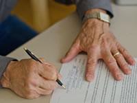 成年後見人の選任手続き支援または成年後見人となります<